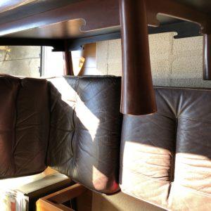 ソファーやテーブルなどの回収!都合の良い日に不用品処分ができ、ご満足いただけました!