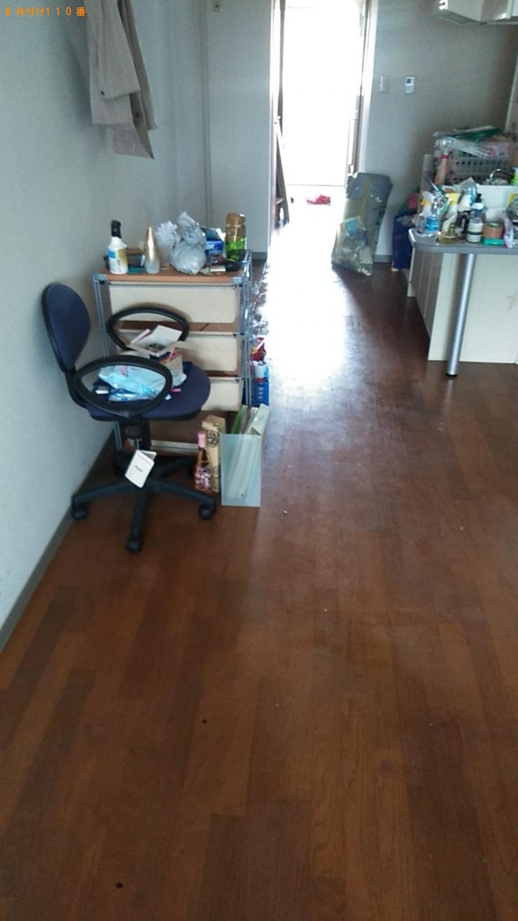【大磯町】冷蔵庫、パソコン、食器棚、ソファー、テレビ台の回収